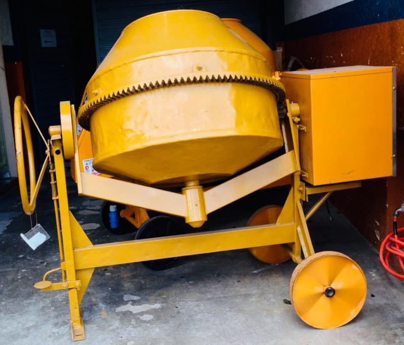 Manutenção de betoneira