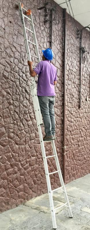 Locação de escada extensiva